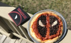 Looter Recipe: DIY Deadpool Pizza!